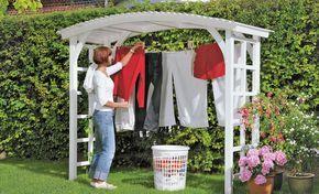 Wäscheständer mal anders: Wir haben einen hübsche Laube für den Garten gebaut, die als Wäscheständer genutzt wird.