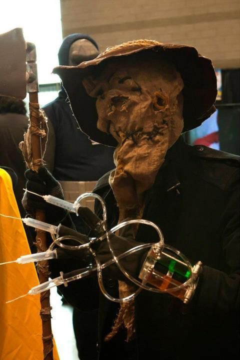 """How to make a Batman's """"Scarecrow"""" costume"""