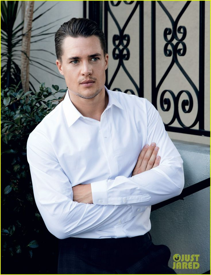 Last Kingdom's Alexander Dreymon Is 'Da' Swoonworthy 'Man': Photo #3517492. Alexander Dreymon suits up for his sexy photo shoot in Da Man magazine's November 2015 issue, available now.    Here is what the 32-year-old The Last Kingdom actor…