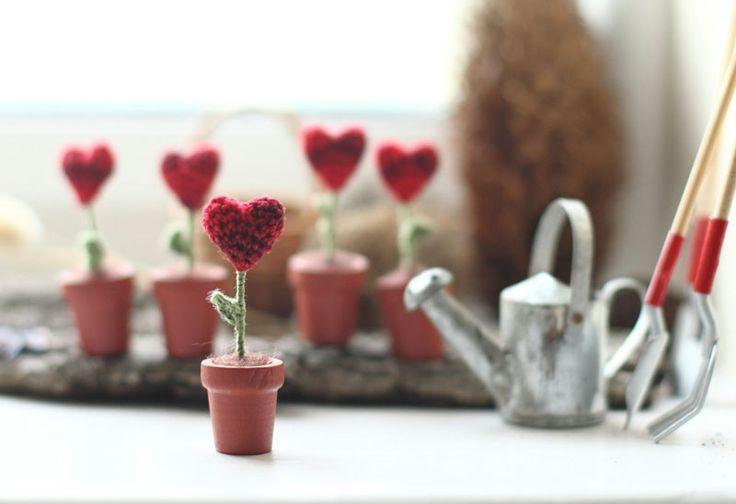День Святого Валентина на Sees All Colors: Вязаные миниатюрки Fancy Knittles