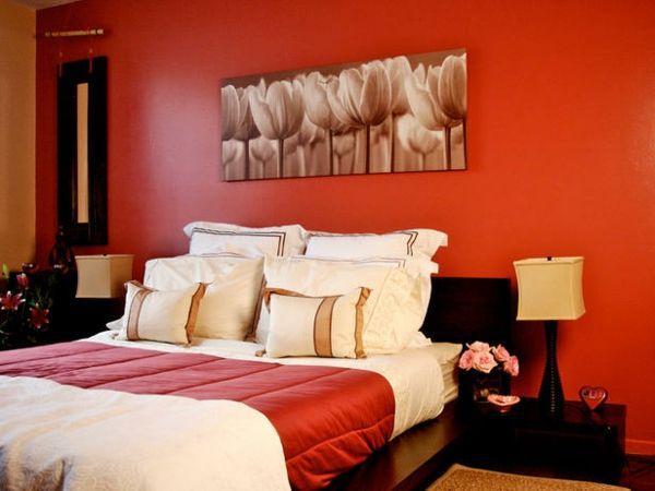 einrichtungsideen schlafzimmer farben rote wandgestaltung bett - Romantische Schlafzimmer Farbschemata