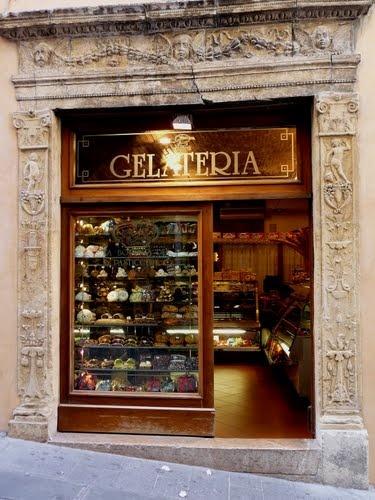 Assise Italie une très belle pâtisserie