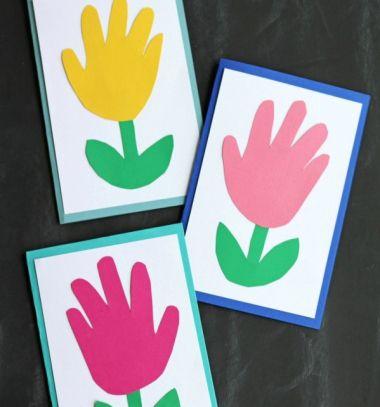 Handprint Mother's Day flower card - spring kid craft // Virágos képeslap anyák napjára - kéz körvonal virág // Mindy - craft tutorial collection