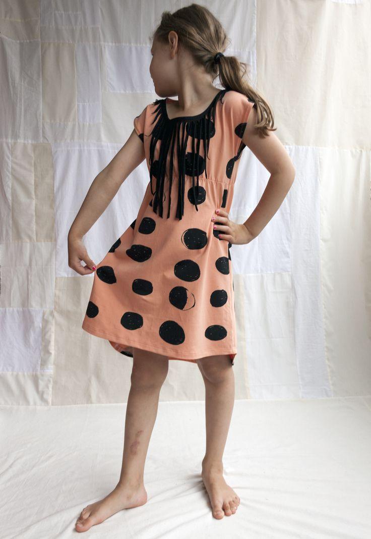 Mood Dots dress by unikuun terapiahuone