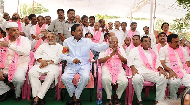 9 MLCs, 2 MLAs join TRS - read complete news click here... http://www.thehansindia.com/posts/index/2014-06-26/9-MLCs-2-MLAs-join-TRS-99677