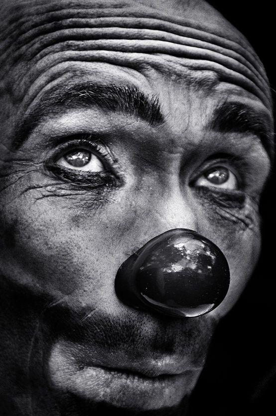 The eyes of the clown - by Camilo Alvarez