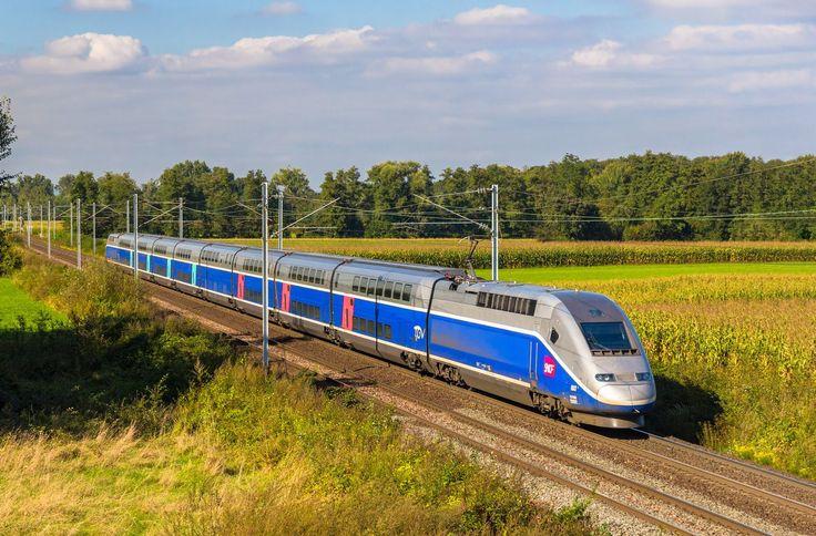 La ligne TGV Paris-Lyon est la première à bénéficier d'une couverture 4G totale déployée par l'opérateur Orange. © Leonid Andronov, Shutterstock.com