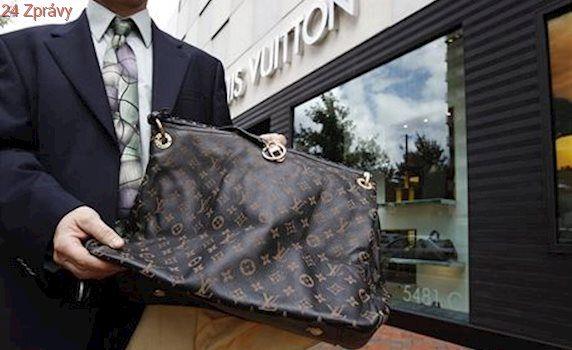 Louis Vuitton i Michael Kors. ČOI zjistila prodej padělků přes sociální sítě