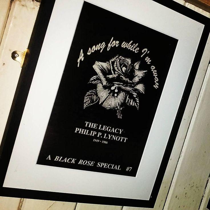 ...found this cool tribute poster for Irish rock legend Phil Lynott downstairs in Bruxelles rock bar on Harry street, Dublin. .  #blackrose #roisindubh #thinlizzy #phillynott #poster #rocklegend #irish #rock #dublin #bruxellesbar #bruxellesdublin #instarock #rockstars #frame #instarock #instamusic #singers #famoussinger #poster #theboysarebackintown #irishnostalgia #rockbar #asongforwhileimaway #legacy