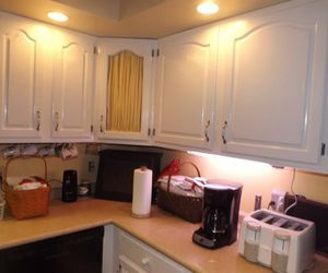the 25 best ideas about chalk paint kitchen cabinets on pinterest chalk paint cabinets painting cabinets and using chalk paint