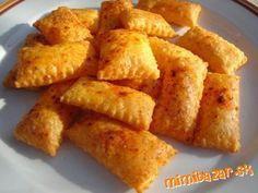 Rúru na 210 ° C <br><br>Suché prísady zmiešajte, pridajte nakrájané maslo a všetko mieste dohromady,...