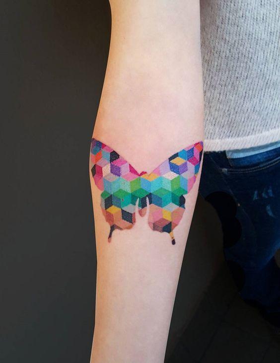tatuajes de mariposas colores geometricos