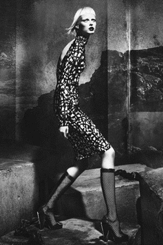 2015 Gotik Sokak Modası http://www.kadincaweb.net/2015-gotik-sokak-modasi #normcore #fashion #streetfashion #sokakstilleri #pfw #sokakmodası #trend #ss15 #streetstyle #jean #mfw #pfw #coolhunter #shopping #lfw #paris #gothic #gotik