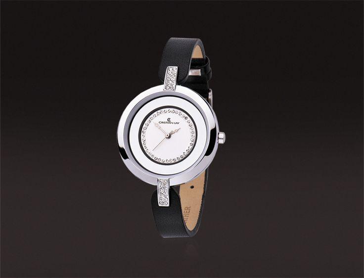 Reloj con caja en aleación metálica. Cristal mineral. Correa de cuero. 3 ATM. Ref.: 19712-4