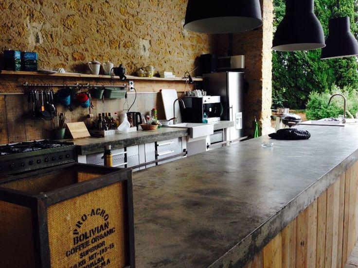 De buitenkeuken......Table d'hotes op Domaine en Birbès- Laurac - Zuid Frankrijk www.domaineenbirbes.com