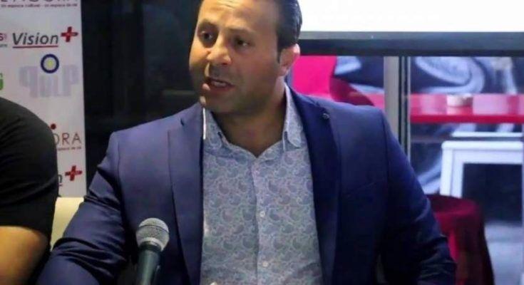 Un estudiante y un cineasta, Karim Belhaj, se enfrentan a hasta tres años de prisión tras ser detenidos por la policía y acusados de «delito de homosexualidad».