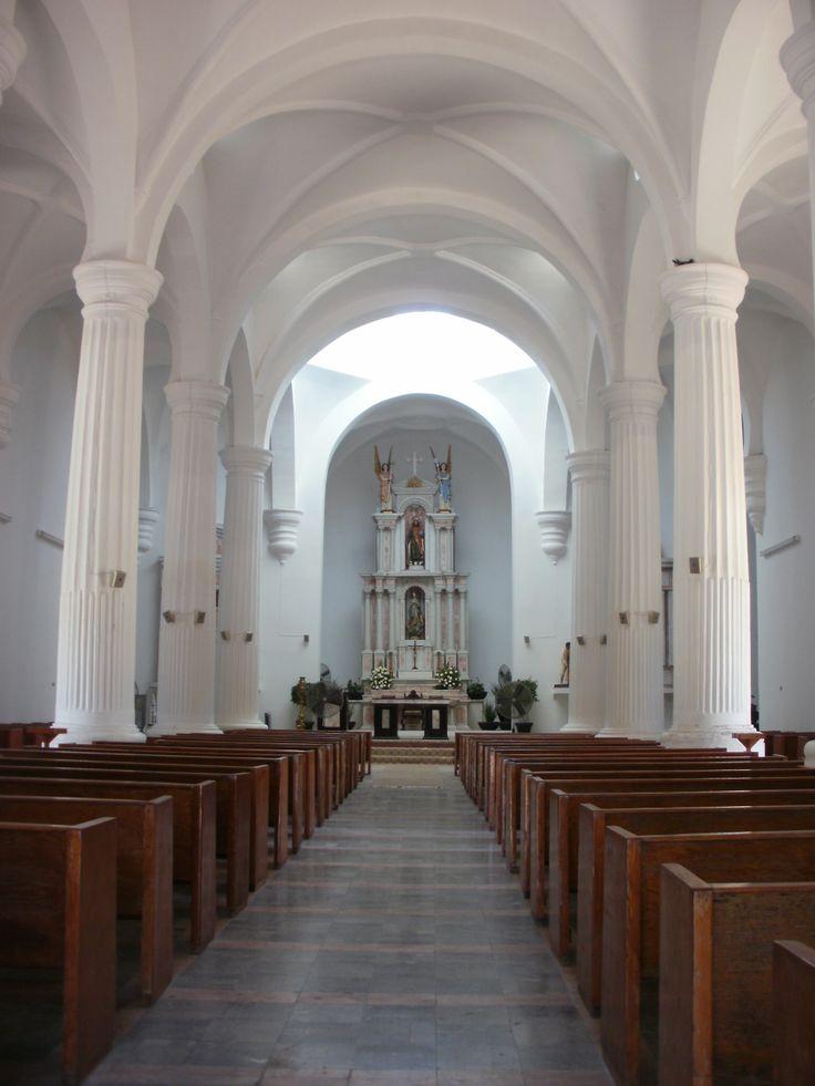 Interior del Templo de San Fernando en Guaymas, Sonora.