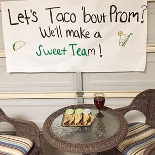 This definitely gave them something to taco 'bout.   23 Seriously Adorable Prom Proposals Impossible To Say No To