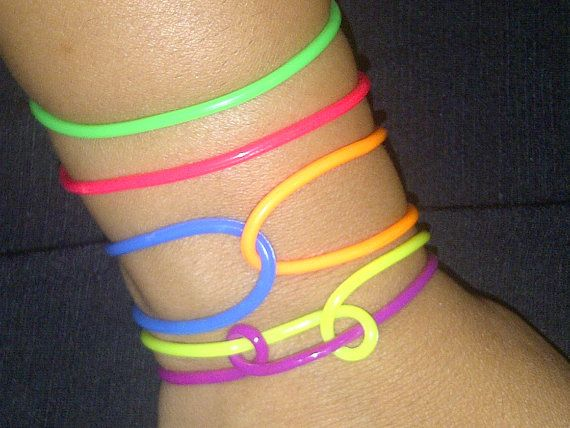 jelly-bracelet-nudity