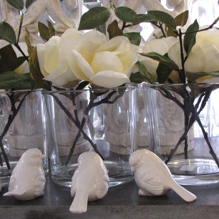 Witte kunstrozen | porseleinen vogeltjes | VIA CANNELLA WOONWINKEL | CUIJK