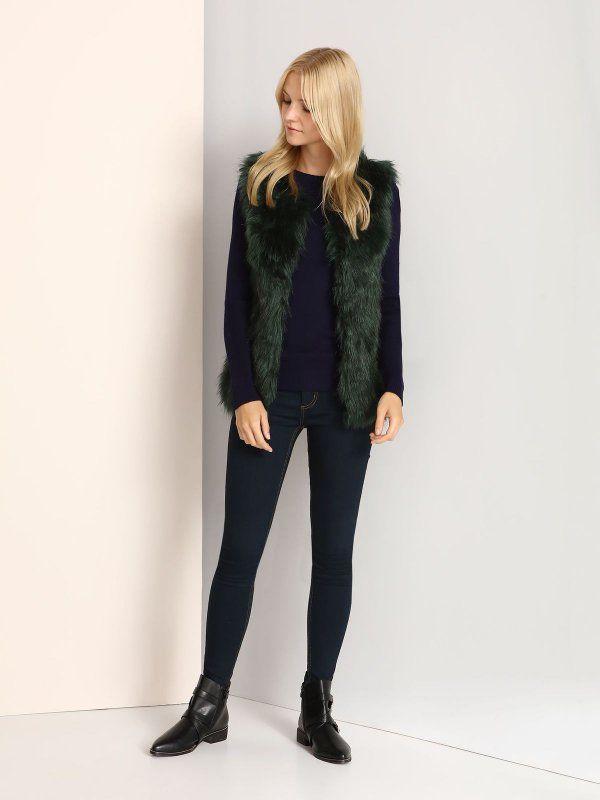 W2017 Kamizelka damska zielona  - kamizelka - TOP SECRET. SKA2738 Świetna jakość, rewelacyjna cena, modny krój. Idealnie podkreśli atuty Twojej figury. Obejrzyj też inne kamizelki tej marki.
