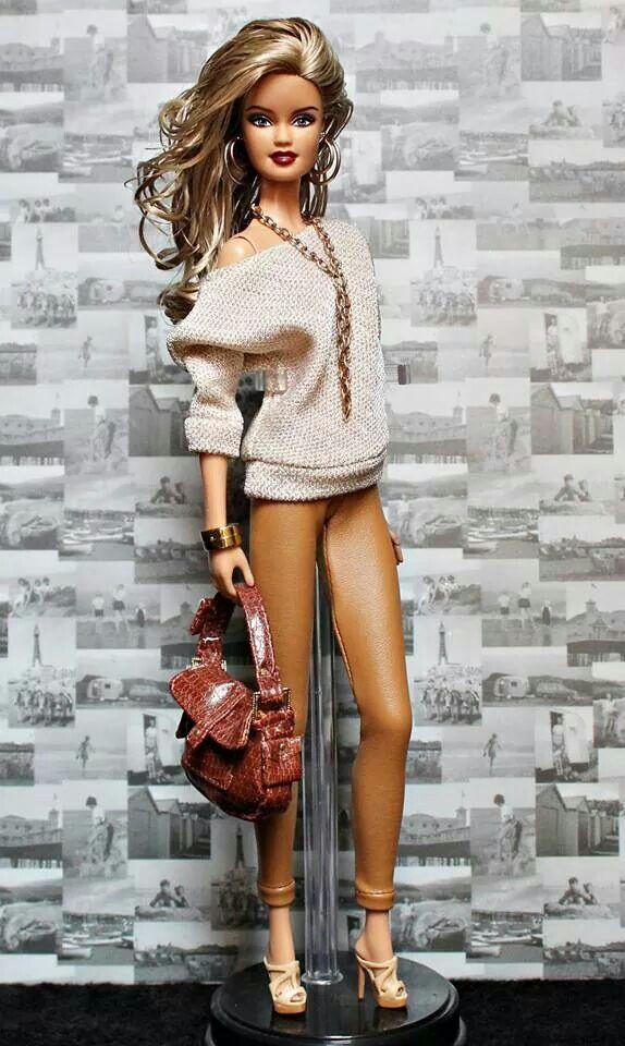 Smokin' hot Barbie!