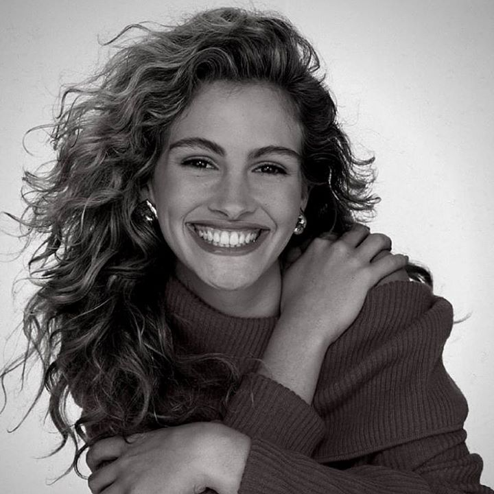 Julia Roberts: That is the great joy: to go to work with people that you love whether they be people that you are in love with or people that you just love and be creative and artistic and make things that you want to send out into the world and make people feel good. #JuliaRoberts #whatbringsmejoy