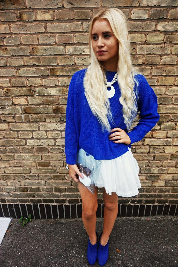 White dress - Blue knit