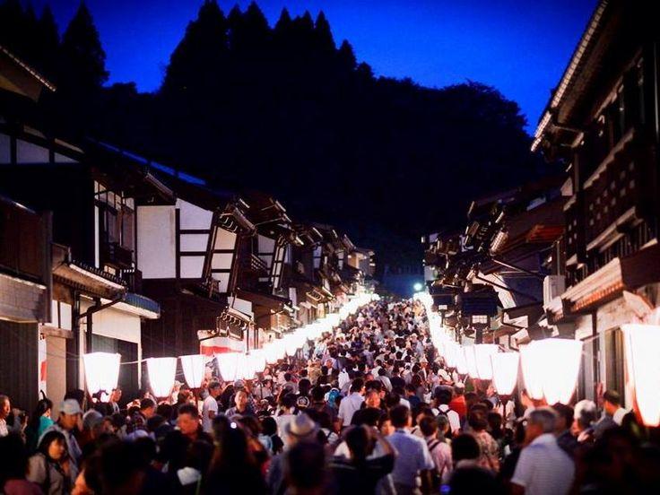 #富山 を代表する #祭り『 #おわら風の盆 』。毎年9月1日からの3日間で20万人以上の #観光客 を集める #人気 の #祭事 で、 #北陸新幹線 開業後初の2015年 #おわら風の盆 は、さらなる人の出が見込まれています。そこで今回は、東京方面からのアクセスも大きく改善した #富山市八尾(やつお)町 のおわら風の盆の魅力についてまとめます。