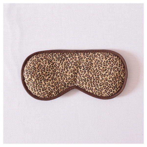 """Máscara de Dormir """"Oncinha""""  Para que o seu sono seja relaxante a qualquer momento!   Descrição:   Tecido 100% algodão (estampa)  Enchimento de manta acrílica  Acabamento com viés (marrom)  Elástico chato regulável (preto)  Fundo com tecido preto de algodão   Medidas:   20 cm (comprimento)  10 cm (largura)  10g.  #máscaradedormir #máscaraparadormir #máscarasdedormir #máscarasparadormir #acessórios #acessório #acessóriodeviagem #evitaclaridade"""