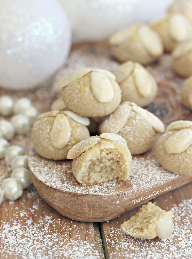 Frankfurter Bethmännchen | German Marzipan Christmas Cookies {grain free, gluten free, paleo} Plätzchen sind Winter und Weihnachten