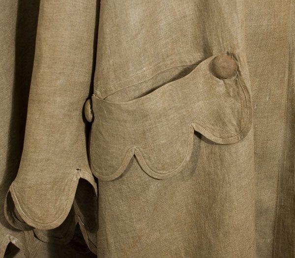 Linen duster cape, c.1900 (http://www.vintagetextile.com/new_page_474.htm)