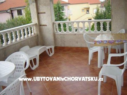 Apartmány Chorvatsko ::: Kvarner :: ostrov Krk : Krk town villa. www.UvCH.cz