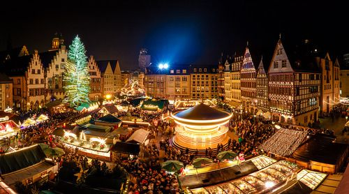 This is how Frankfurt looks a week before christmas - Weihnachtsmarkt 2012