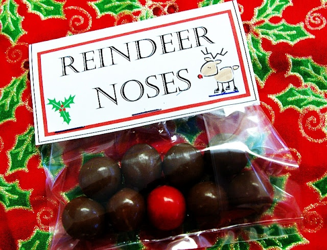 Whoppers candies and a red gum ball... Brassy Apple: More Neighbor gift ideas!: Brassy Apples, Reindeer Nose, Cute Idea, Bags Toppers, Gum Ball, Gifts Idea, Red Gumball, Neighbor Gifts, Christmas Gifts