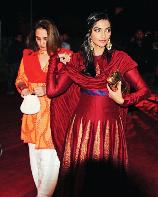 Sonam Kapoor #Bollywood #Fashion