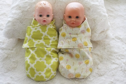 doll swaddler ideaDolls Swaddler, Sewing Projects, Dolls Clothing, Baby Blankets, Baby Dolls, Babydoll, Christmas Gift, Dolls Accessories, Dolls Snuggler