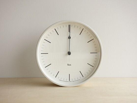 真っ白な壁時計 - 日用日