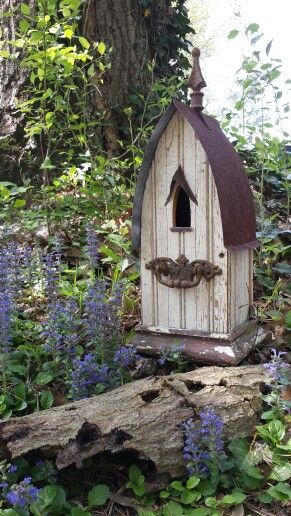 1927 farmhouse beadboard by Recycling is for the Birds  - Jeff Garvey.                                                                                                                                                      More #birdhouses