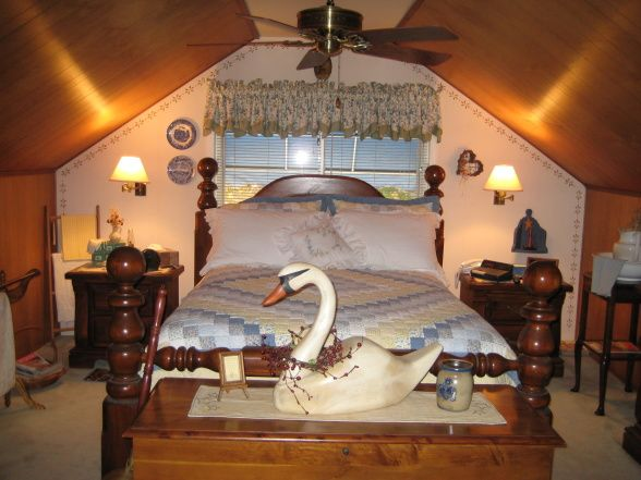 25 best ideas about primitive country bedrooms on for Country master bedroom designs