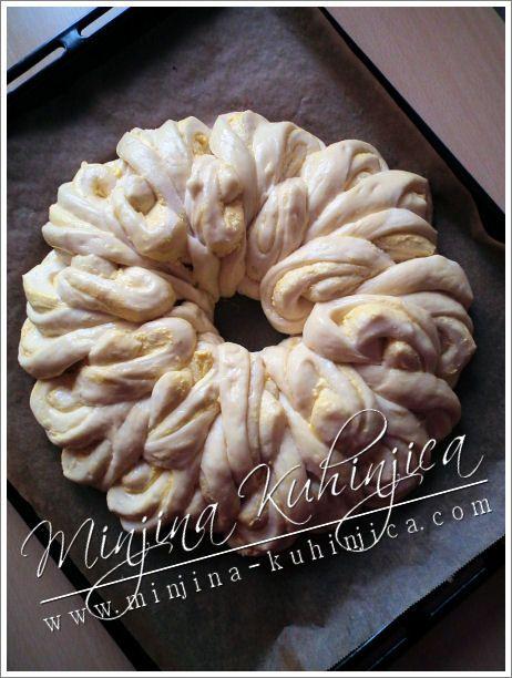 Pogaca - Brioche garnie de Cream Cheese  (philadelphia, petits suisses etc) - Brioche de Pâques - Recette en serbe à traduire