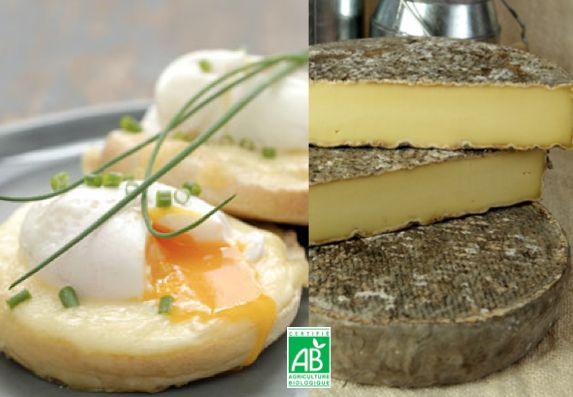 Voici une recette facile pour réaliser une entrée gourmande en 10 minutes : des oeufs bio bénédicte et muffins au Saint-Nectaire d'Auvergne.