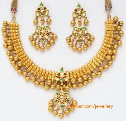 gold-beads-necklace