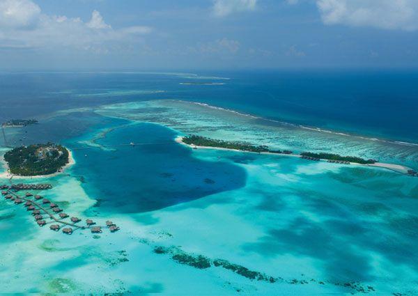 [Format   CONRAD MALDIVES]취재  성은주        CONRAD MALDIVES  맨발로 즐기는 럭셔리와 자연스러운 스타일이 만나는 곳             BEACH VILLAS AND SUITES    Conrad Maldives Rangali Island features thr…