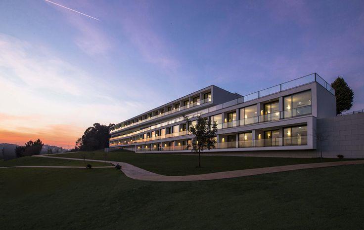 Edificio Residencial para Adultos Mayores | Atelier d'Arquitectura J. A. Lopes da Costa | San Tirso, Portugal, 2014