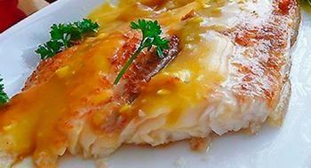 Пангасиус по-гречески в апельсиновом соусе