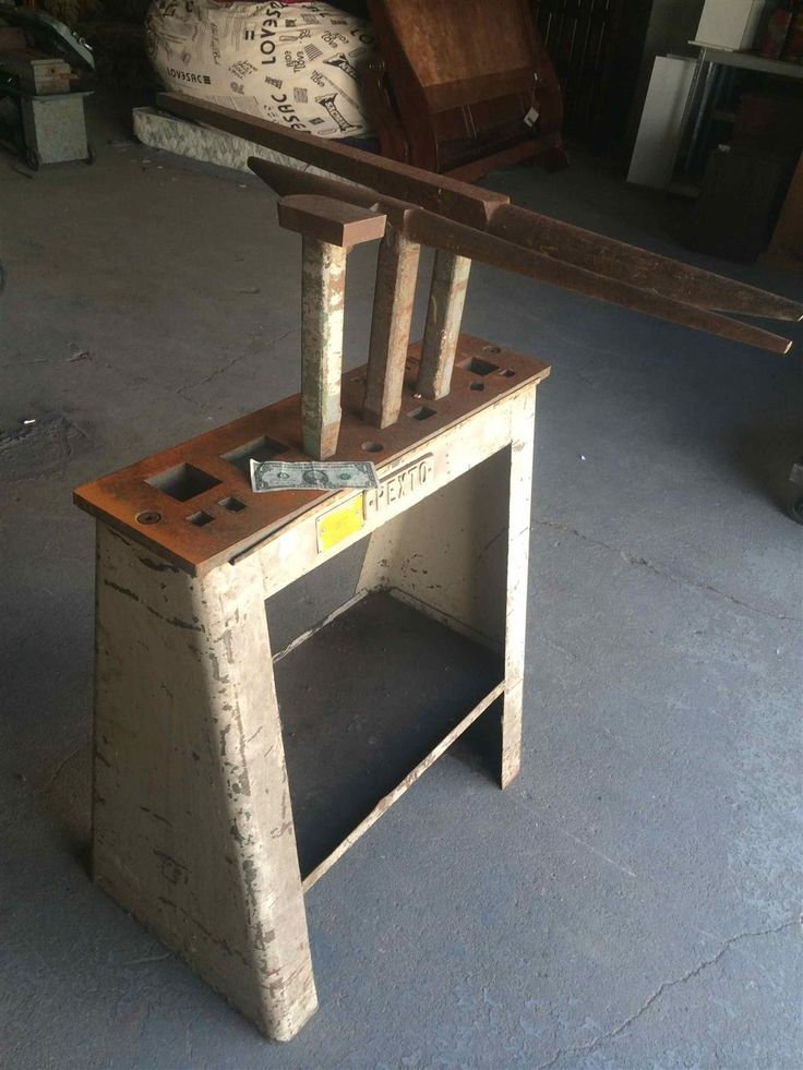 Www M37auction Com Pexto Sheet Metal Forming Stakes With