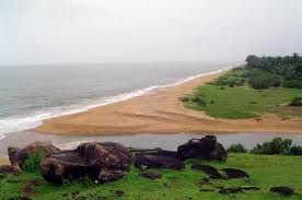 Agonda Beach is a small, scenic and peaceful beach located 37km away from the town of Margao in Goa. The Agonda Beach is a must see beach that is dotted with palms and casuarinas nearby and accompanied by a large hill to the south.