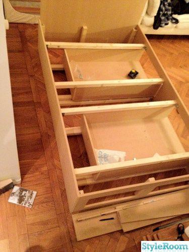Beskrivning säng med förvaringslådor
