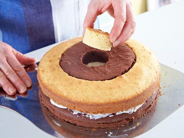 Schachbrettkuchen backen - so geht's - schachbrettkuchen-zusammensetzen-2